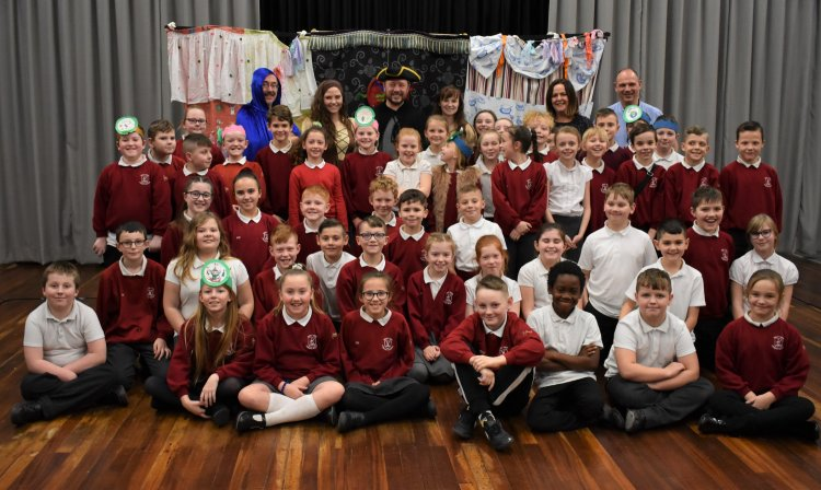 Cinderella 39 S Dilemma Panto At West View Primary